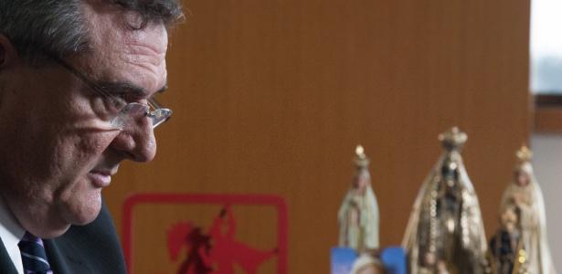 mario-gobbi-presidente-do-corinthians-concede-entrevista-em-seu-gabinete-no-parque-sao-jorge-1369694495597_615x300[1]